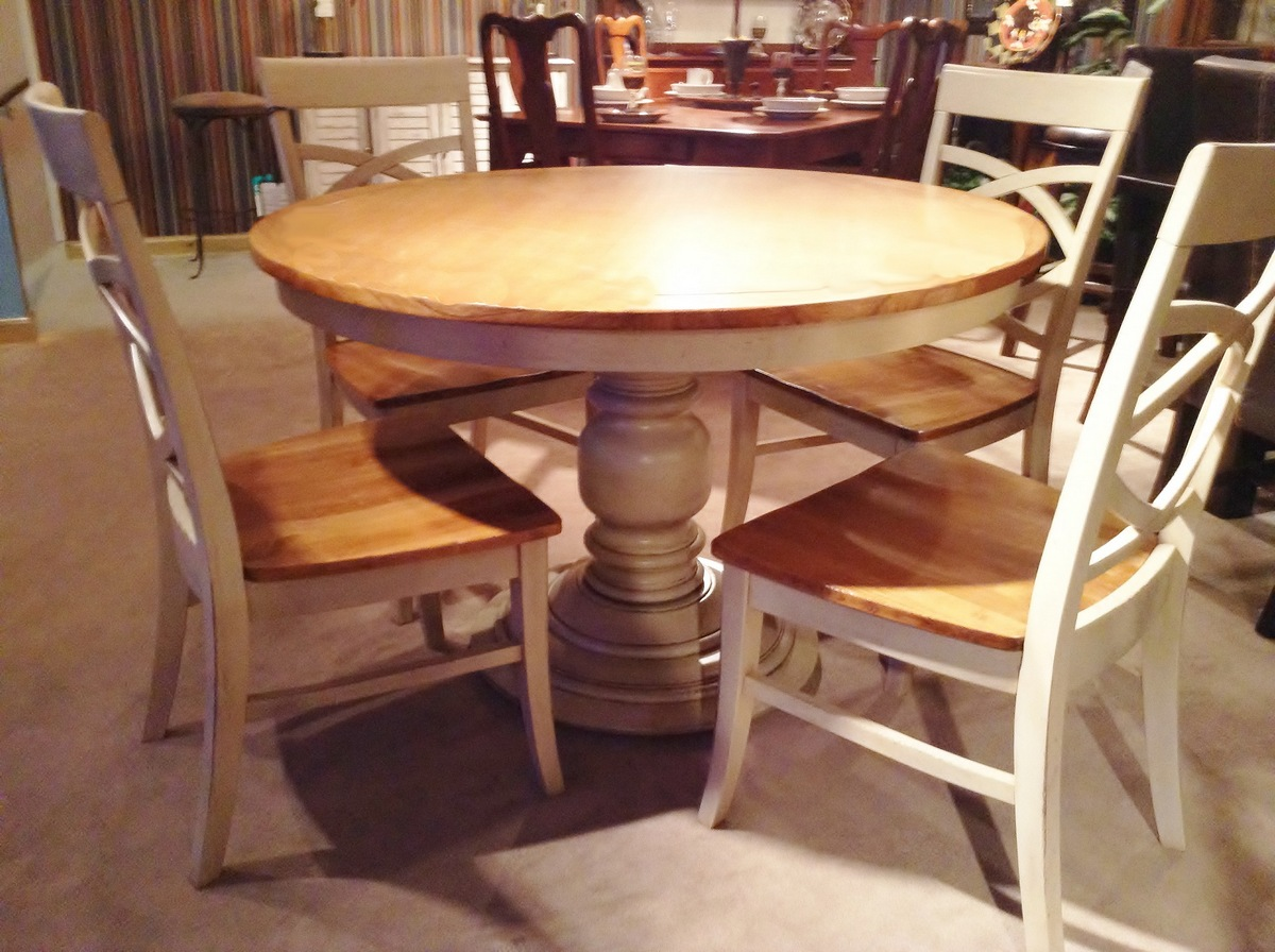 Round Pine Pedestal Kitchen Table